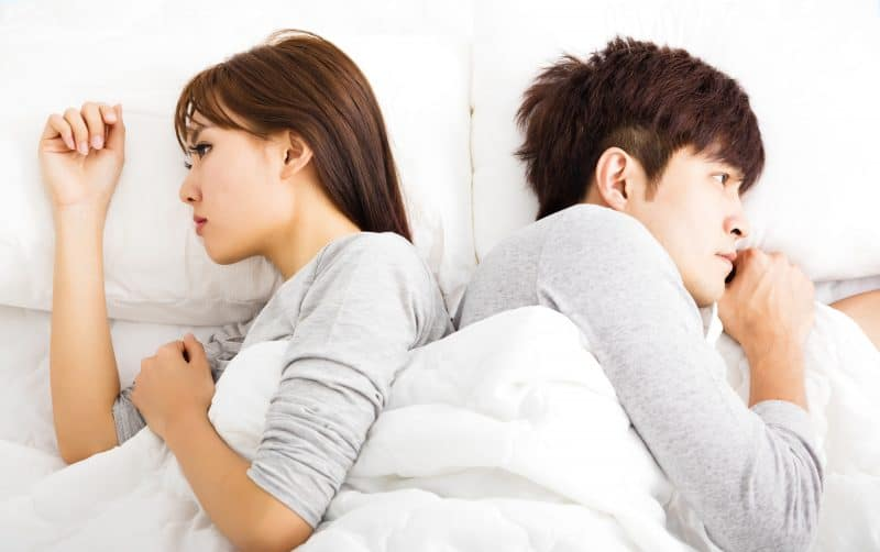 little to no intimacy is a sign of an unhappy marriage
